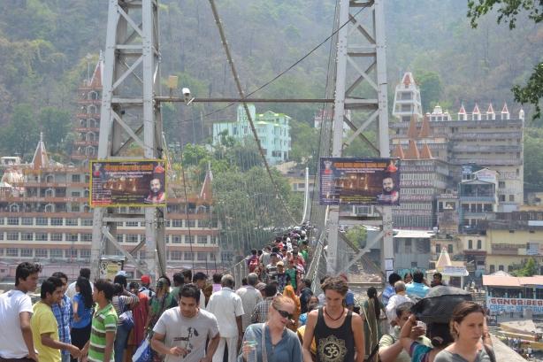 Lakshman Jhula : Center of Attraction at Rishikesh