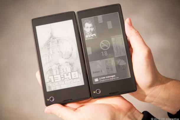 Yoda Smartphone with E-ink screen on backside