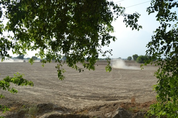 Land preparation before sowing the Kharif crops : Raisinghnagar, Rajasthan
