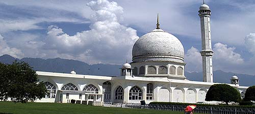 1963 The relic of Prophet Mohammad vanished from Hazratbal shrine in Srinagar leading to large scale violence, only to be recovered months later