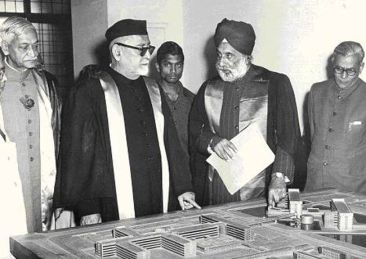 1967 Zakir Hussain becames the first Muslim President of Independent India
