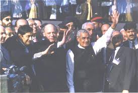 1999 Indian Prime Minister Vajpayee makes a goodwill visit to Pakistan on the maiden trip of a cross-border bus service.