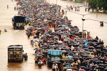2005 Mumbai submerged in water due to heavy rains, which virtually stops the financial capital of India for 4–5 days