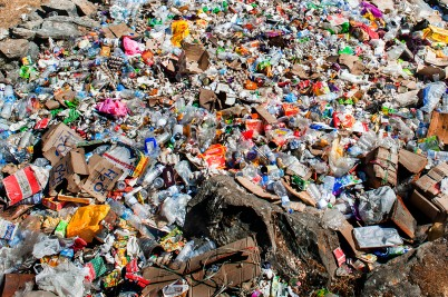 Mount Everest turning into a garbage dump