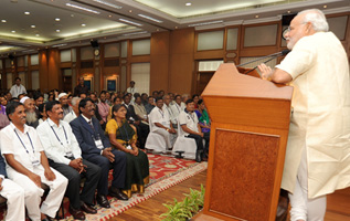 PM Modi interacting with teachers on Eve of teachers day